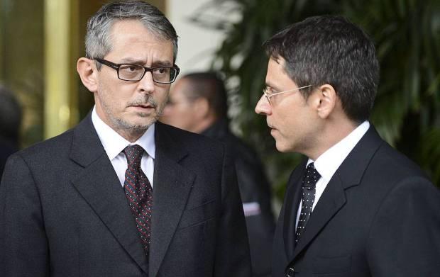 Otavio-Frias-Filho-e-seu-irmão-Luis-Frias-velorio-roberto-civita-horto-da-paz-itapecirica-da-serra-20120101-21-original1